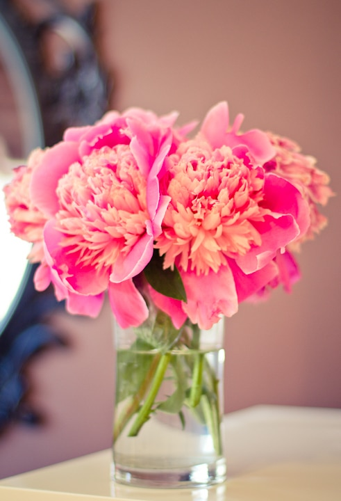 simple floral centerpiece with pink peonies
