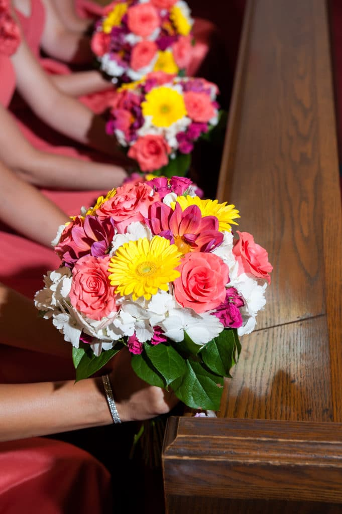 wedding bouquets with flowers that are in season