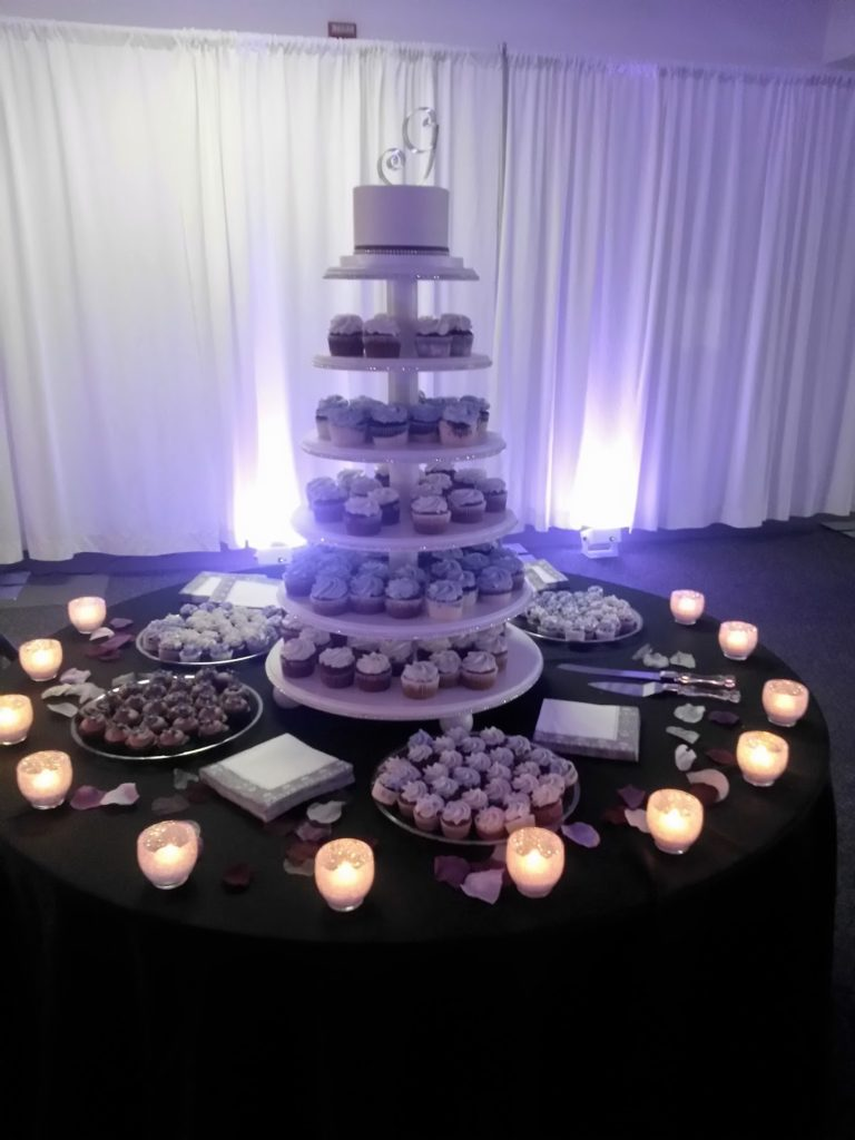 wedding cupcakes and desserts